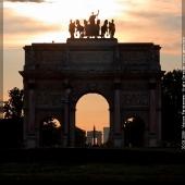 Succession de monuments parisiens